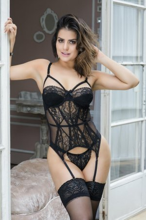 Erinne escorts in Hybla Valley