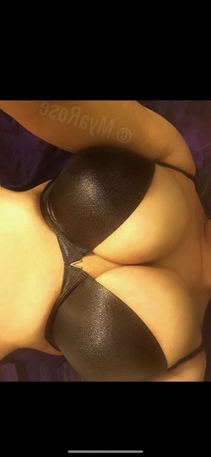 Evie female live escort