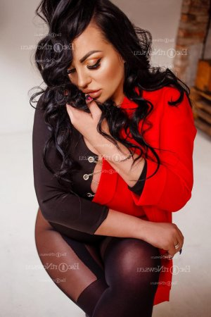 Marie-barbara female escort girl in Newington