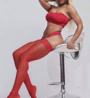 Lilas nuru massage and live escort